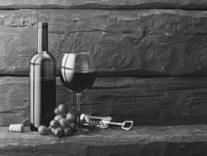 grapes-bottle-and-glass-of-red-wine
